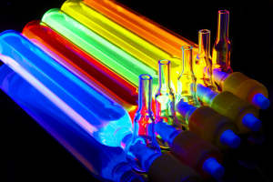 Glowing quantum dots, courtesy Nanoco Technologies