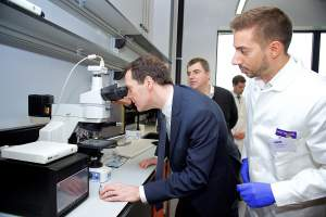Sir Novoselov demonstrating a graphene lightbulb to Chancellor Osborne