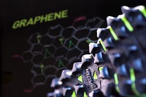 G-Series graphene running shoe