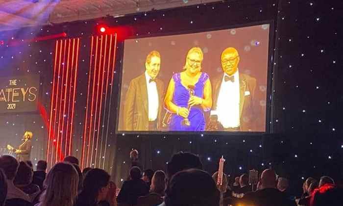 Alison Shedlock receives award
